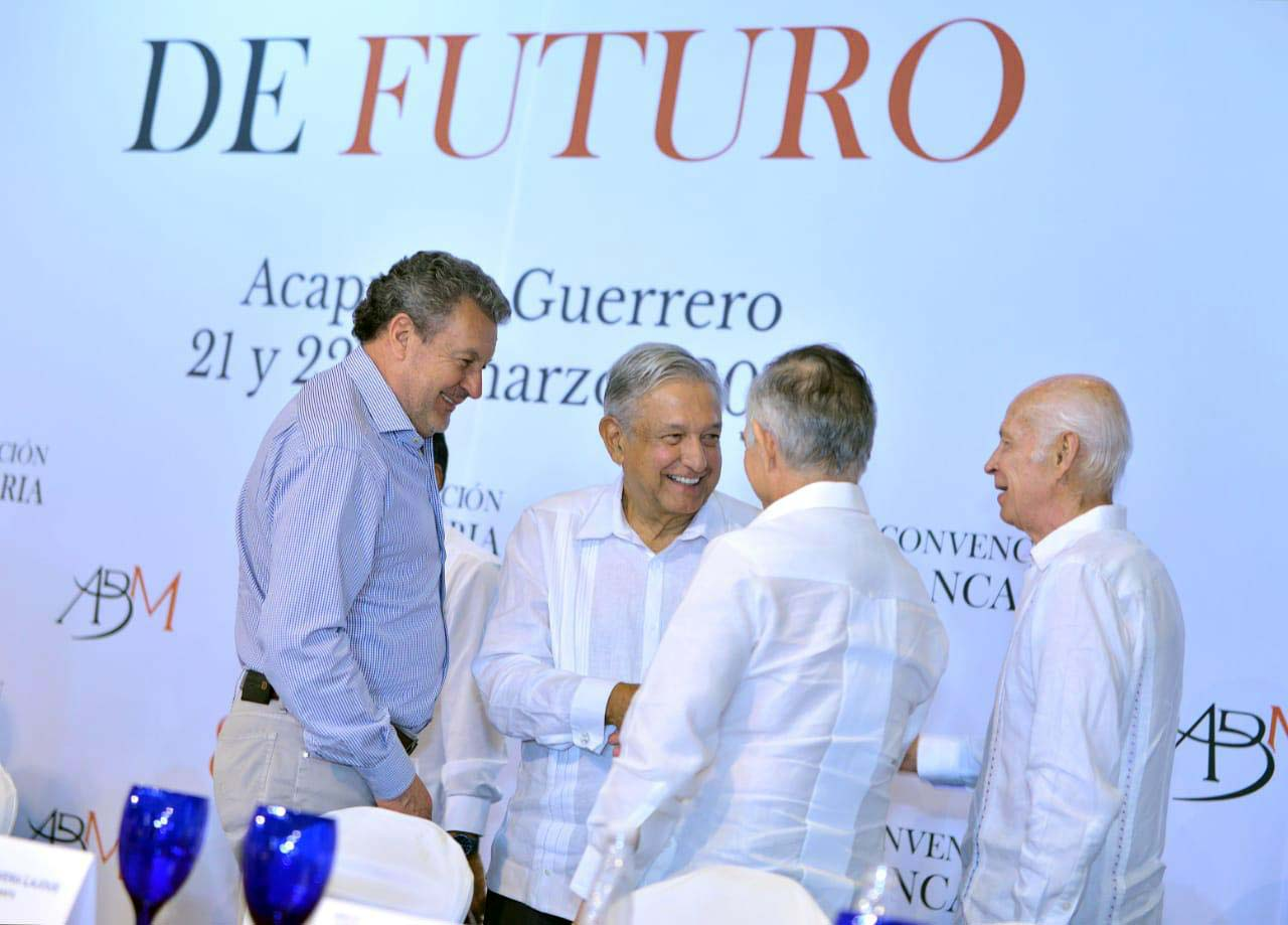 Photo of AMLO se alía con los banqueros en Acapulco