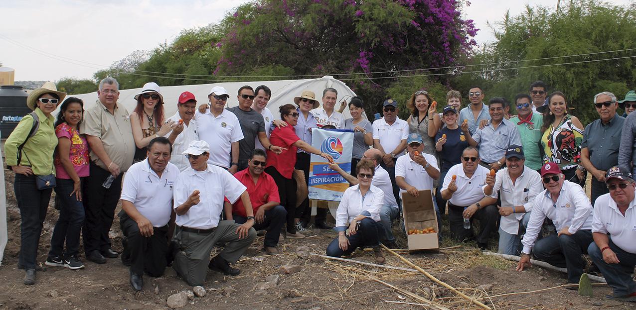 Photo of Rotarios de todo México y Seattle, EUA, llevan ayuda a la punta de las montañas de Oaxaca