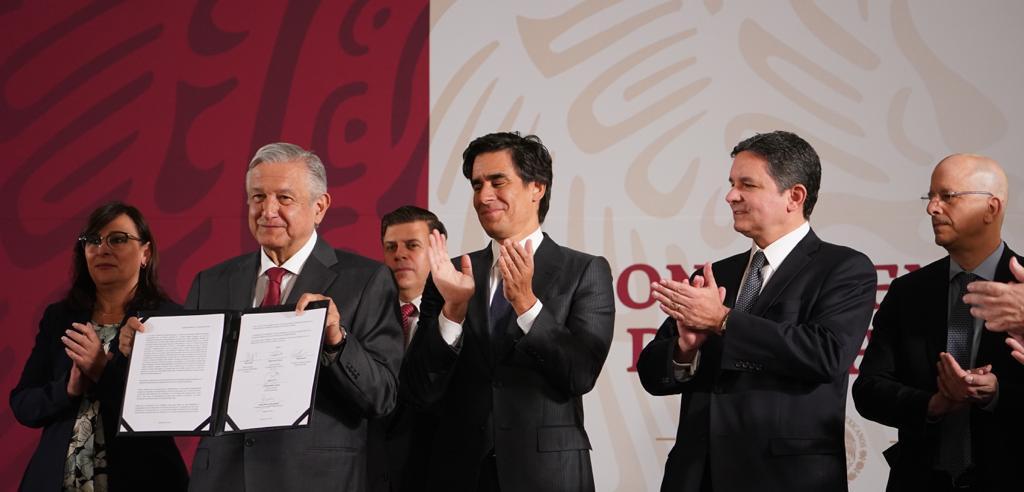 Photo of Renegociación de 8 mil millones de dólares de la deuda de PEMEX, anuncia el Presidente de la República