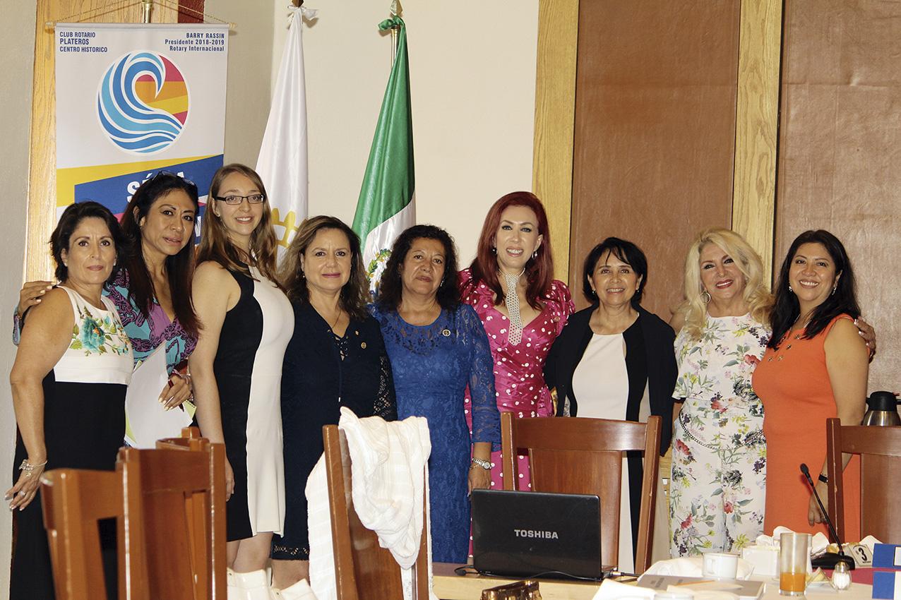 "Photo of Homenaje a Estela Márquez Plaza por su liderazgo Rotario en ""Plateros Centro Histórico"""