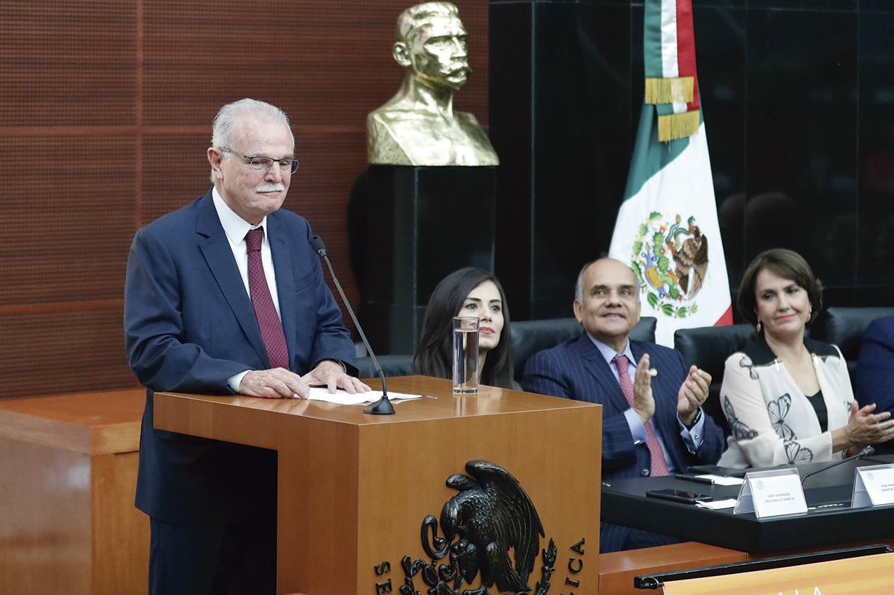 """Photo of """"Lo único que lamento es que Cuauhtémoc Cárdenas no haya sido Presidente de la República"""", reconoció Francisco Labastida Ochoa, ex Candidato del PRI, en el Senado"""