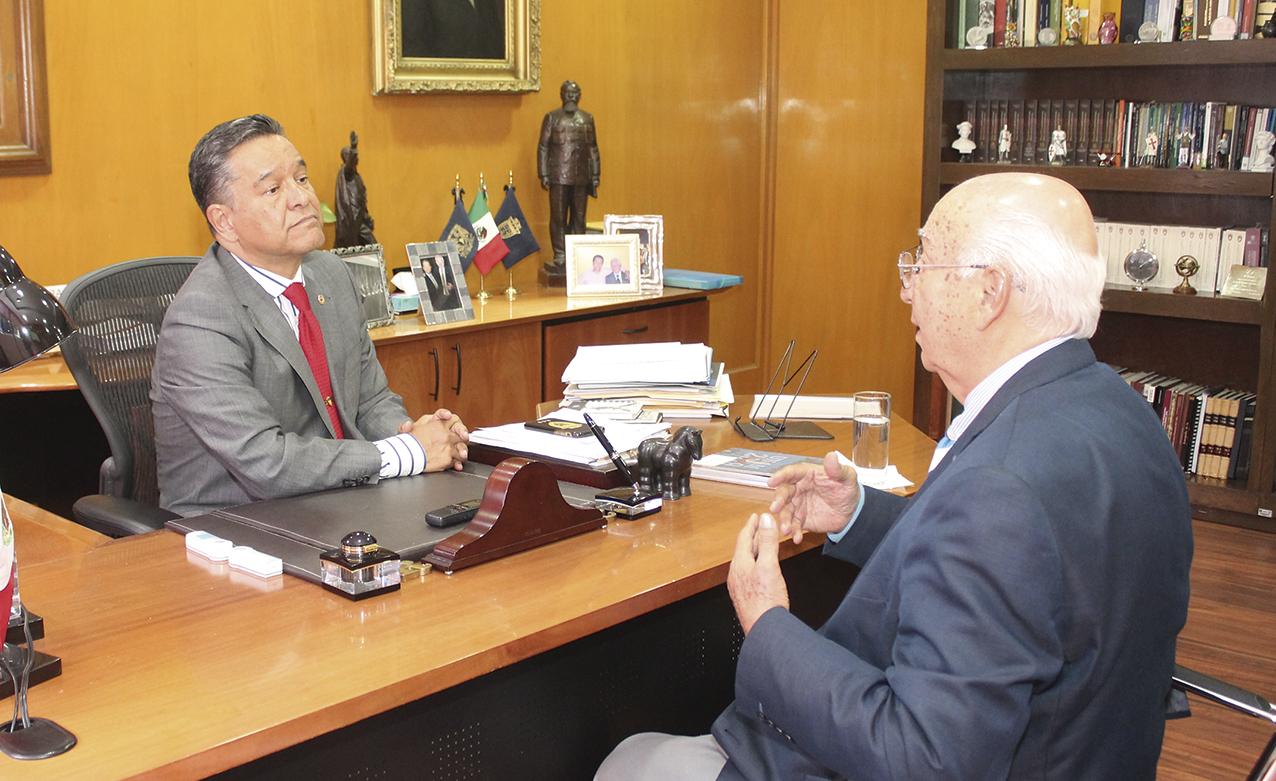 """Photo of """"Esencial que subsista el equilibrio entre los Poderes Ejecutivo, Judicial y Legislativo"""", afirma el Director de la Facultad de Derecho de la UNAM, Dr. Raúl Contreras Bustamante"""