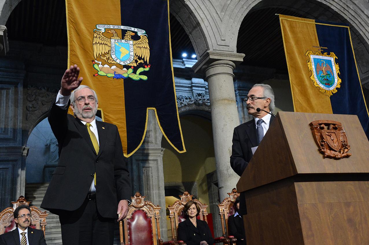Photo of Rinde protesta Enrique Graue Wiechers como Rector de la UNAM para el periodo 2019–2023