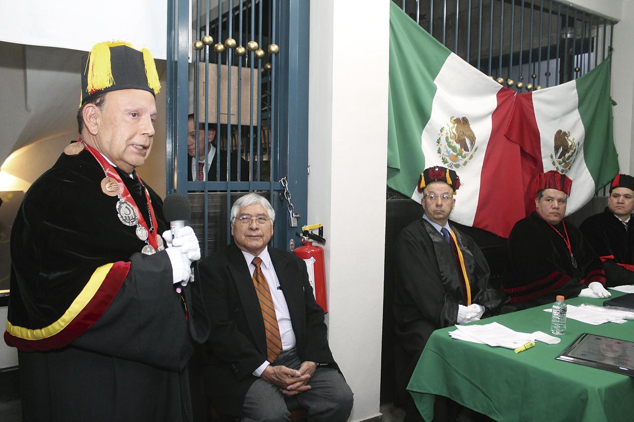 """Photo of """"El Doctorado Honoris Causa se Otorga por Servicios a la Humanidad"""": Dr. Omar Olvera de Luna"""