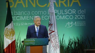 """Photo of El Presidente Andrés Manuel López Obrador aseguró ante los banqueros: """"seremos siempre respetuosos de las empresas y de los bancos del sector privado nacional y extranjero"""""""