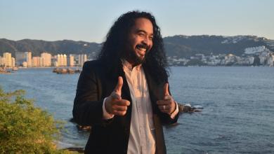 """Photo of """"El negro"""", un multifacético con vista al mar"""